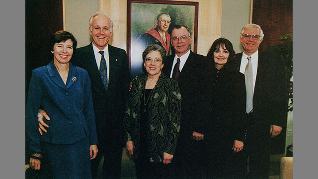 Members of Teele family at dedication of Teele Hall (2000)